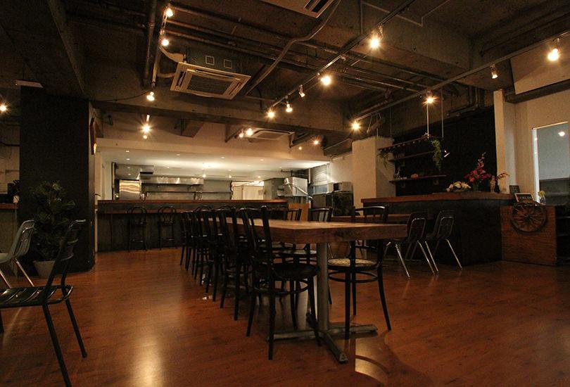 カフェ風の撮影スタジオ