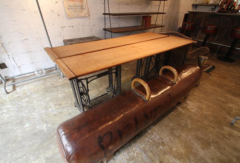 テーブル&ベンチ(商品展示なし)