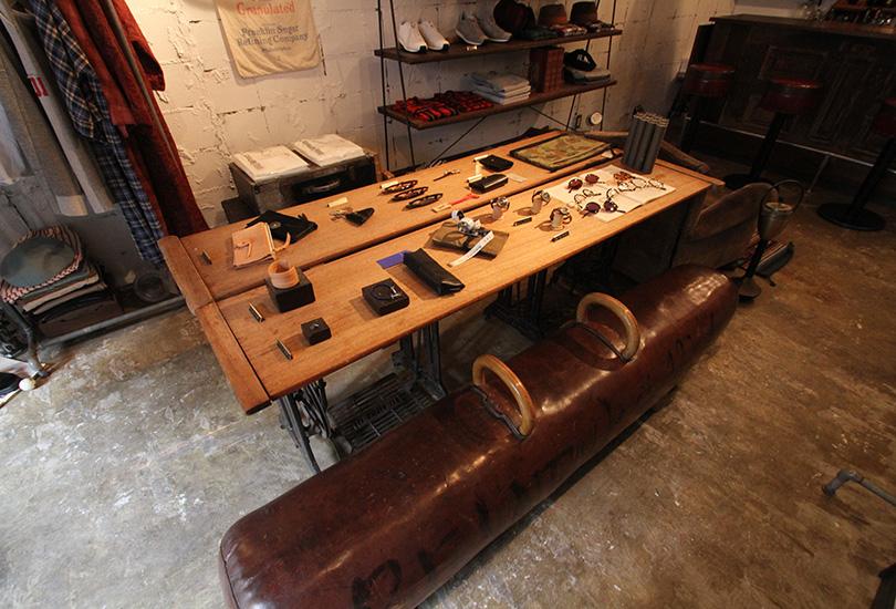 テーブル&ベンチ(商品展示あり)