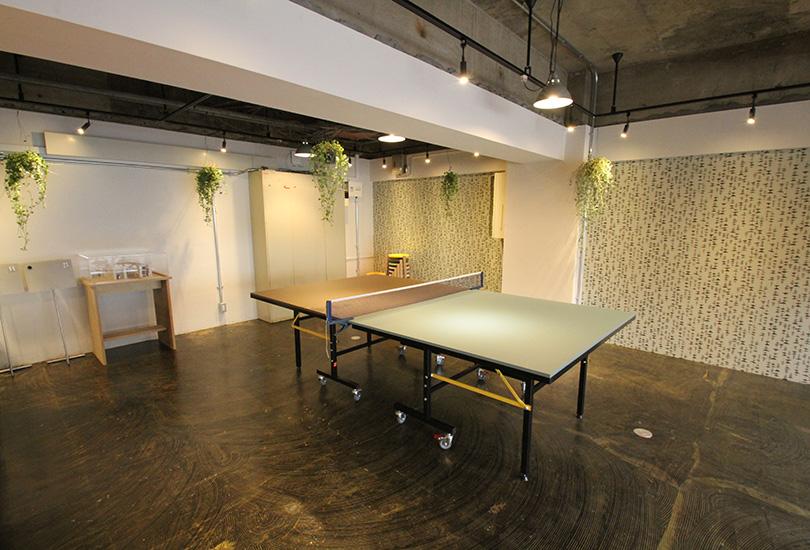 卓球台を使用したテーブル
