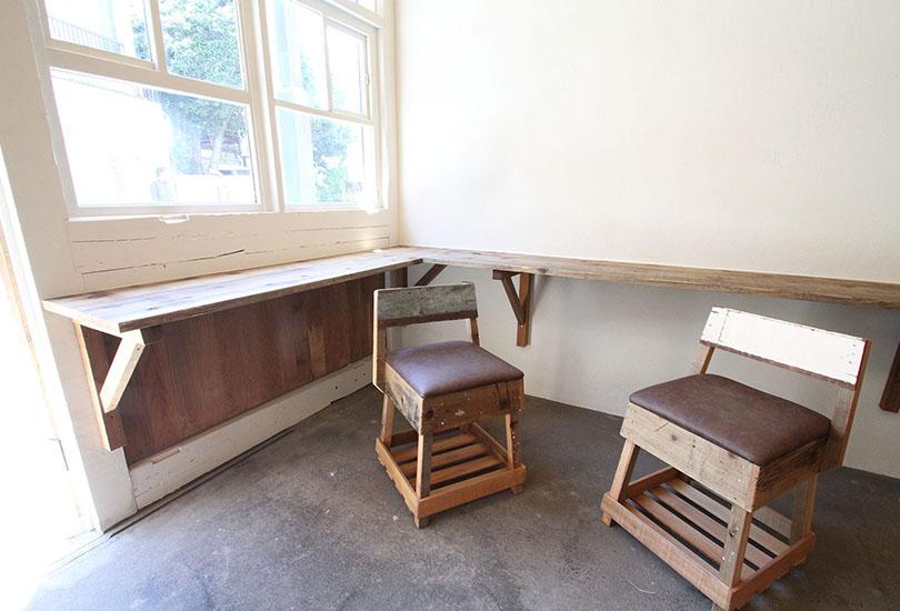 職人さんが1つ1つ丁寧に仕上げた手作り家具