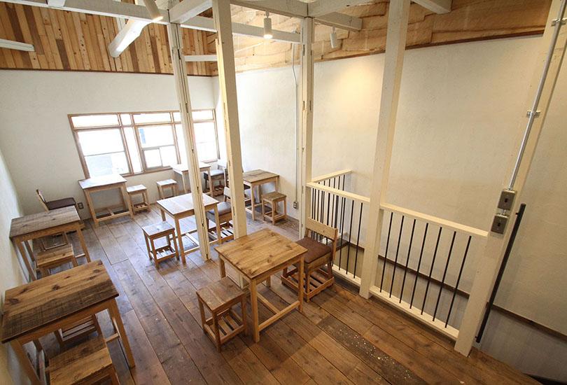 どこか懐かしい教室のような雰囲気のスペース