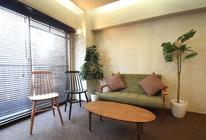 空間にマッチした家具や小物も充実