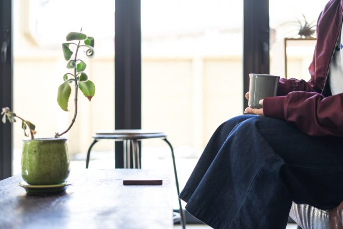 ソファーでゆったり!カジュアルなミーティングにオススメのカフェスペース